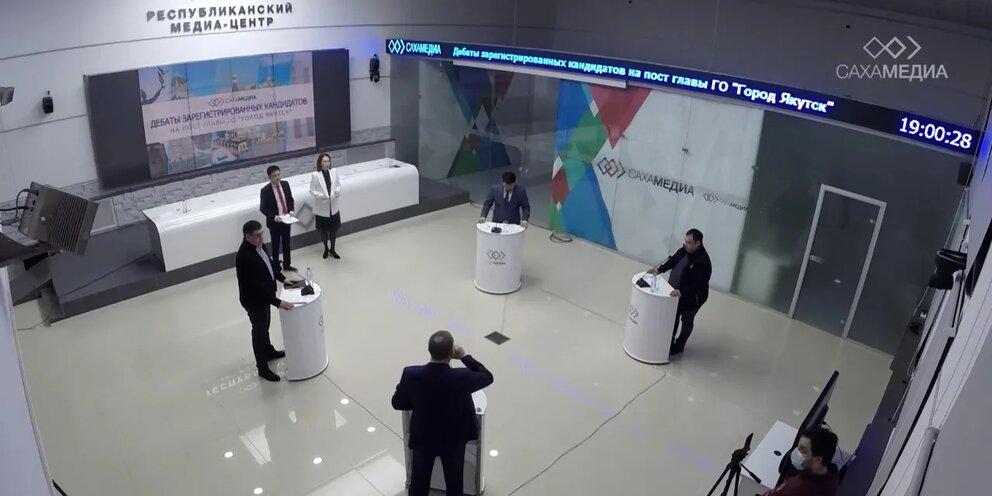 Дебаты «Сахамедиа»: кандидаты ответили на вопросы о своих предках, ГЧП, «Сахапаркинге» и 17 квартале