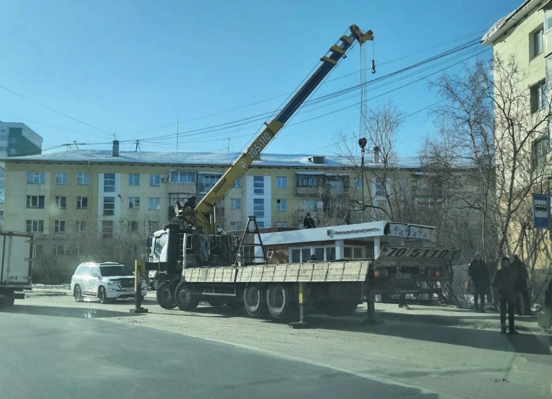 В Якутске установлена теплая остановка «Жилищный департамент»