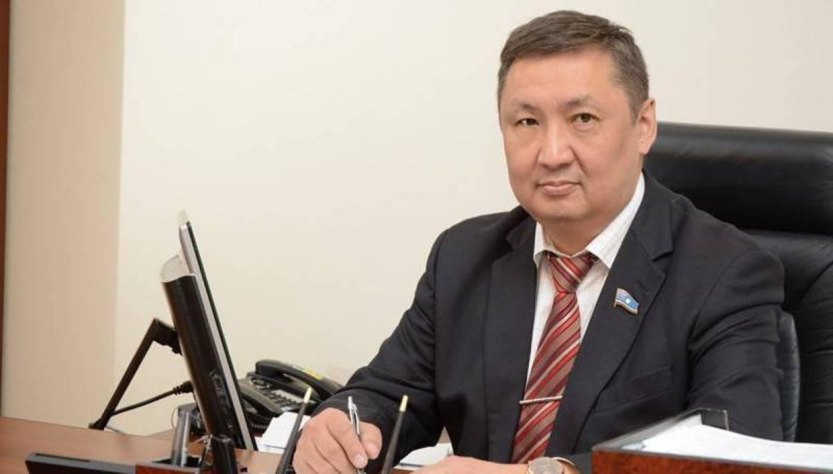 «Единая Россия» приостановила членство в партии гендиректора «Стерха»