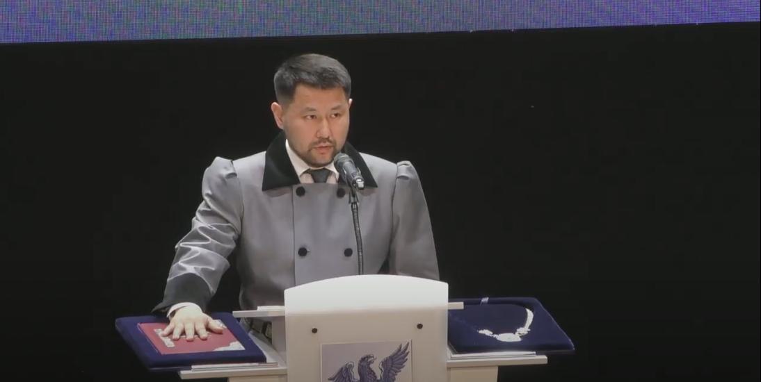Прямая трансляция с инаугурации Евгения Григорьева, мэра Якутска