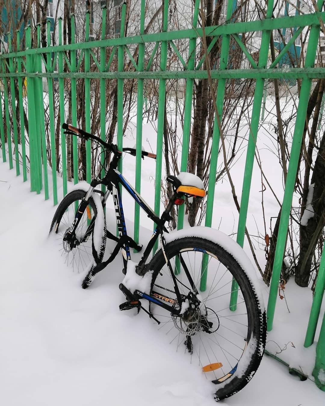 Аномальный снегопад. Коммунальщики круглосуточно убирают городские улицы
