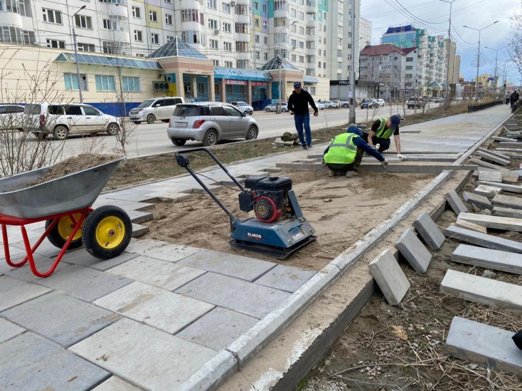 Подрядчик устраняет дефекты на улице Пояркова