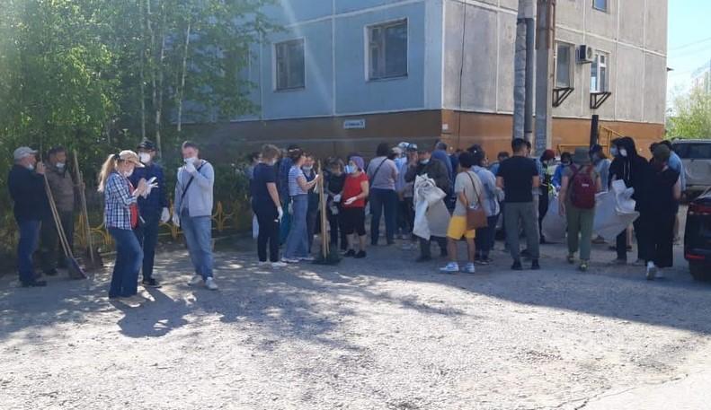 Медики городской больницы №3 приняли участие в общегородском субботнике