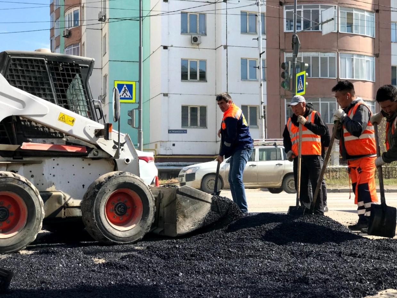 В Якутске собирают жалобы на дороги