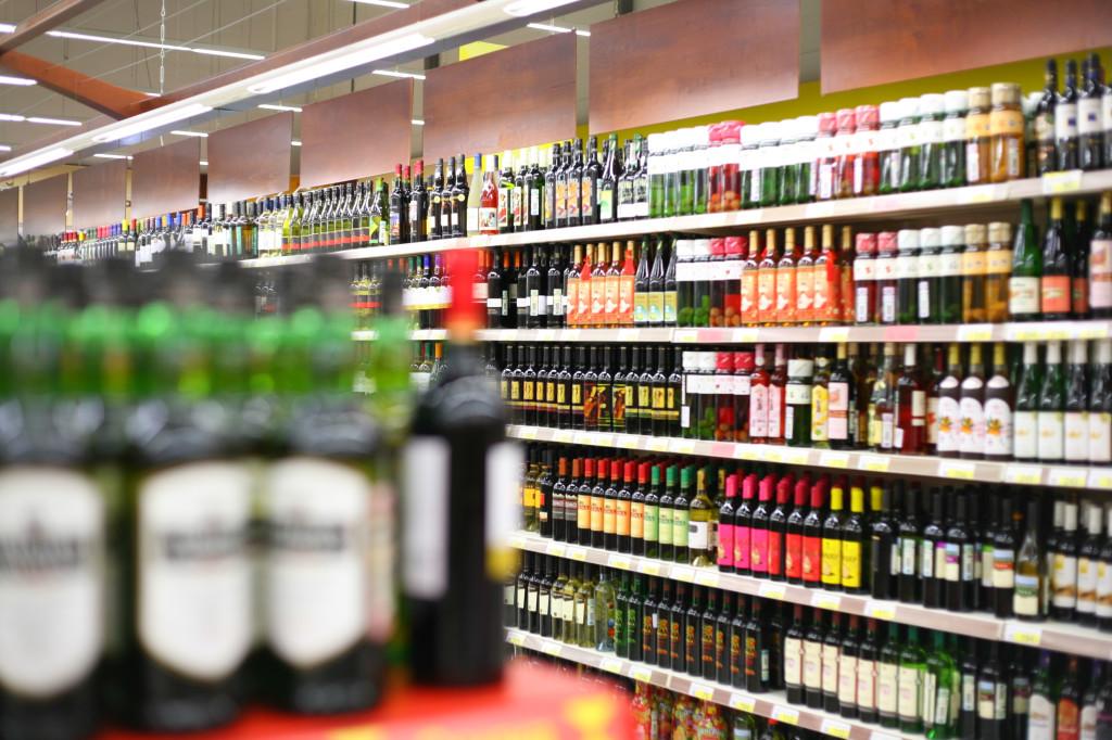 Глава Якутска планирует увеличить расстояние от алкомаркетов до социальных учреждений