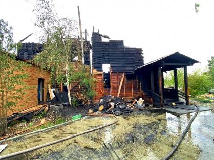 Четыре человека погибли при пожаре в доме на улице Луговая