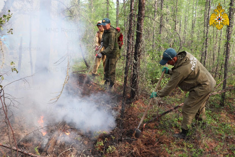 Якутск тоже в дыму. Всего по Якутии 264 природных пожаров, за сутки ликвидировано 75