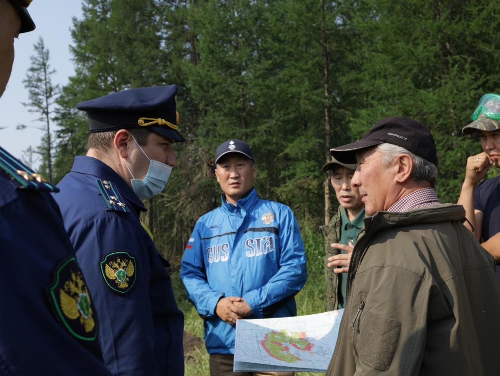 Прокурор Якутии посетил с рабочим визитом Горный район