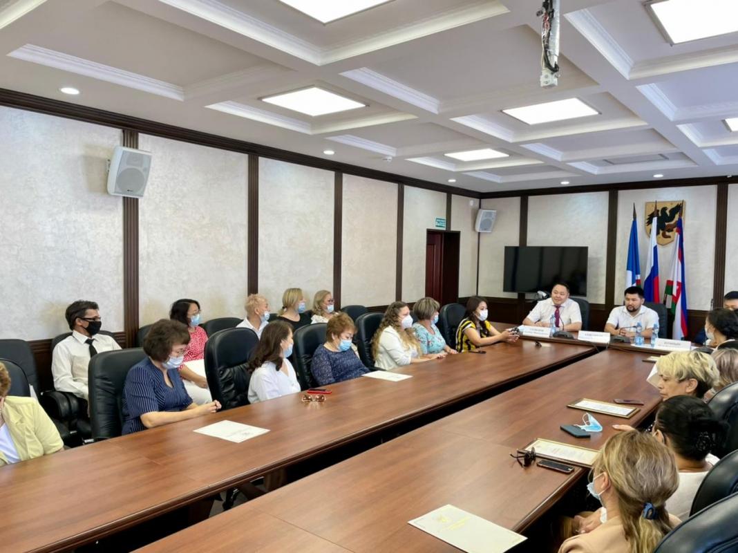 Работников почтовой службы поздравили в Якутске