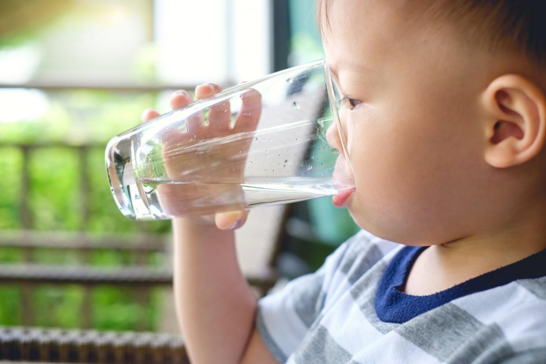 Маленькому мальчику в ресторане Якутска вместо воды дали антисептик