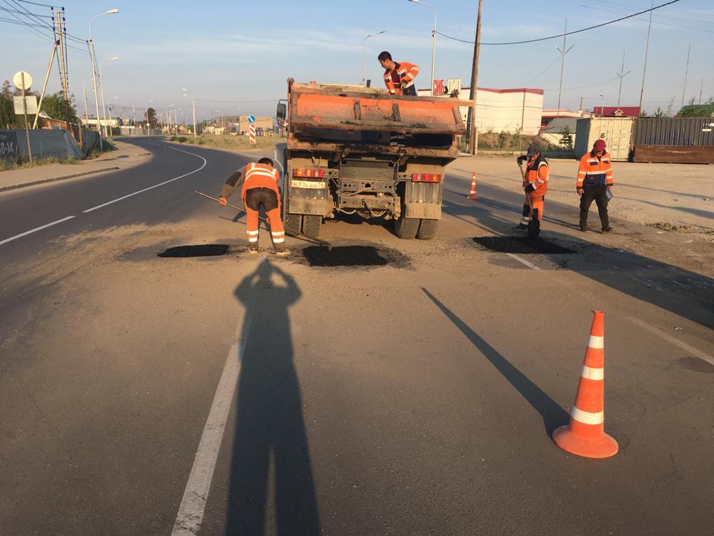 Ямочный ремонт дорог будет проведен еще на 20-ти улицах Якутска
