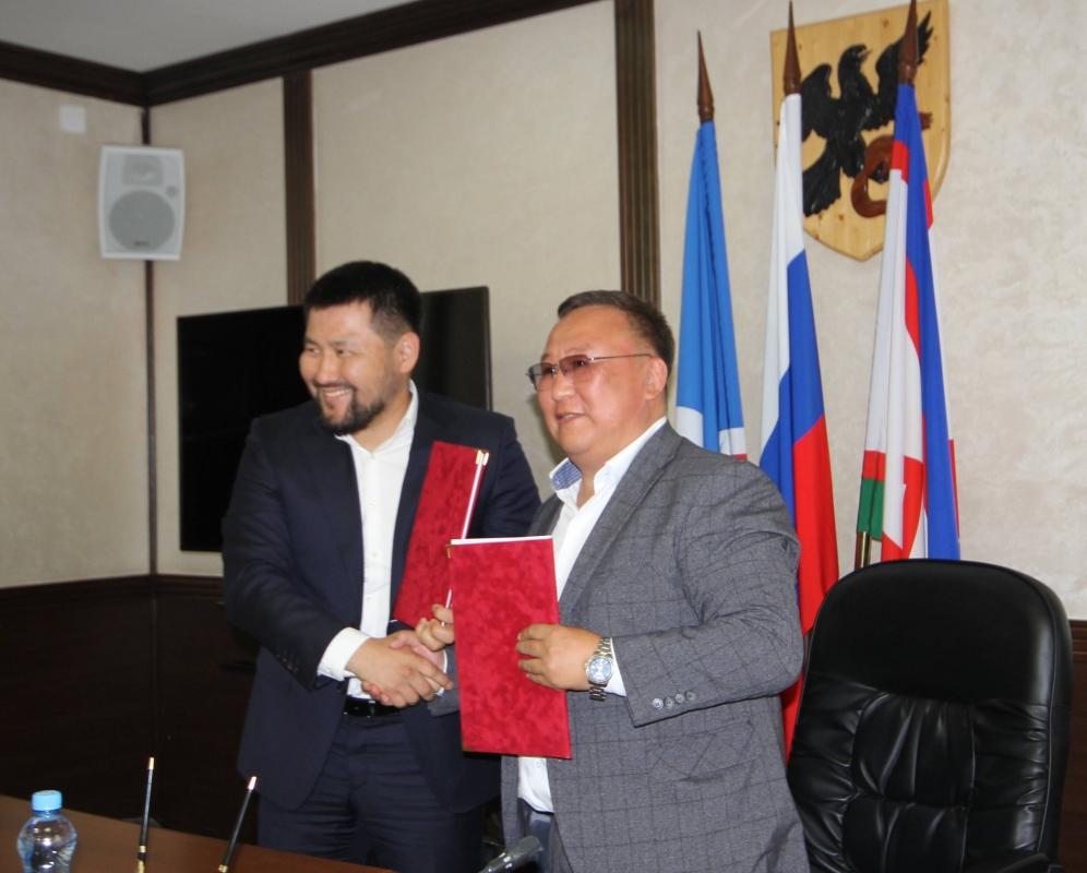 Администрация Якутска и Мегино-Кангаласского улуса подписали соглашение о сотрудничестве