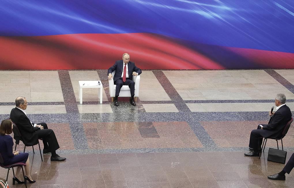 Путин предложил выплатить пенсионерам по 10 тыс. руб. В Якутии 275 тысяч пожилых