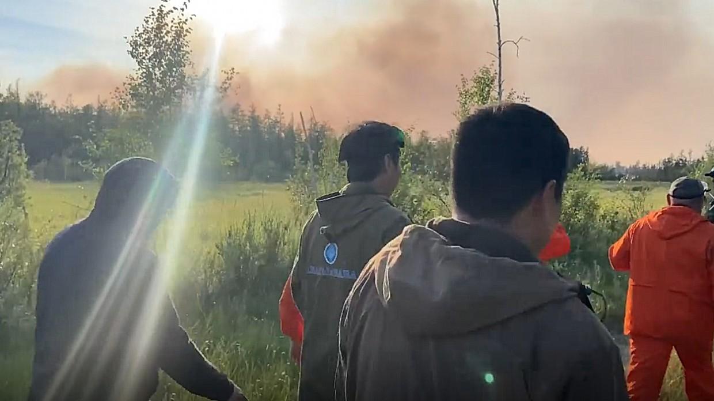 Ливень обошел местность Магана, где добровольцы из Якутска тушат лесной пожар