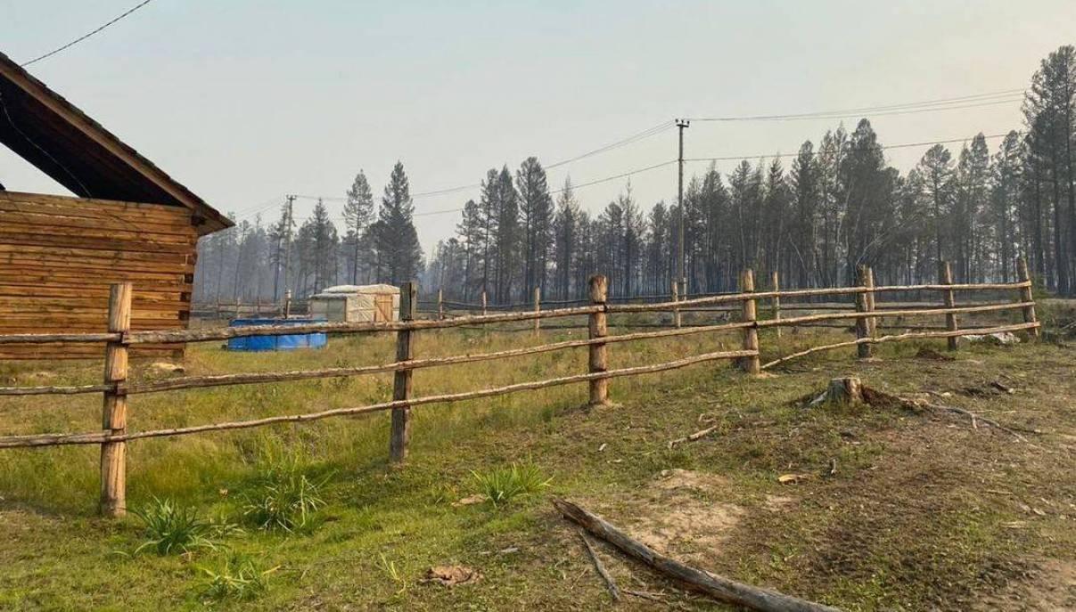 В селе Бясь-Кюель восстанавливают электроснабжение. Жителям окажут матпомощь