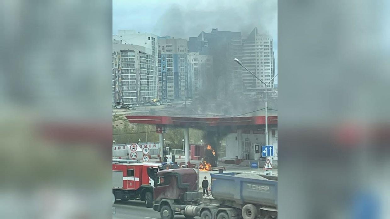 В центре Якутска случился пожар на заправке «ЯТЭК»