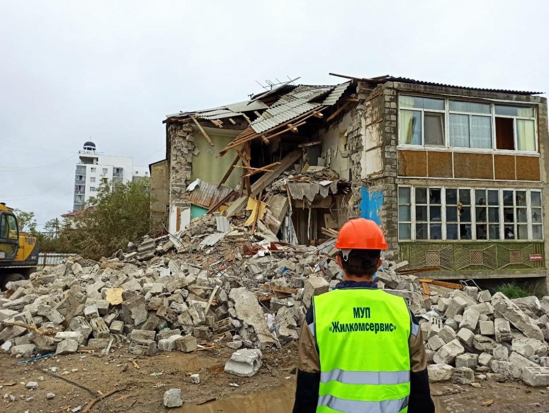 Мэрия Якутска сносит дом на Автодорожной, где рухнул подъезд