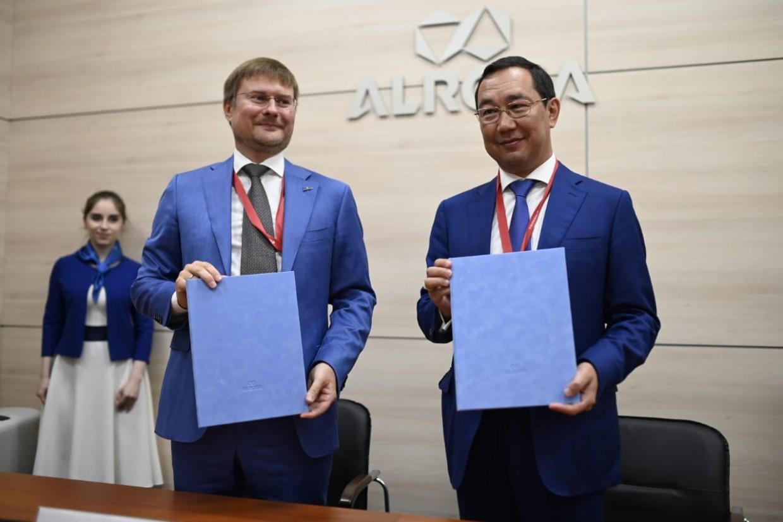 Глава Якутии и президент АЛРОСА сделали пожертвования на тушение лесных пожаров