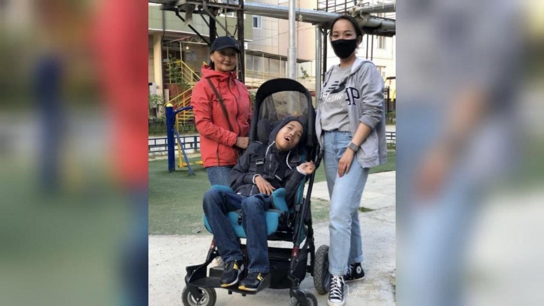 Якутяне собрали деньги для ай-трекера мальчику с церебральным параличом из Якутска