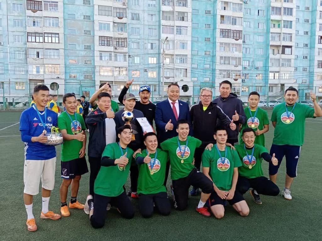 Команда Строительного округа стала чемпионом футбольного турнира в Якутске