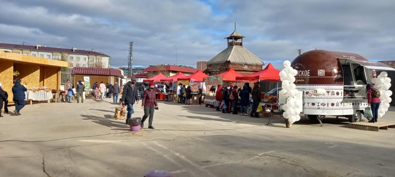 Сельхозярмарка в Якутске: цены растут, а продукции и покупателей все меньше