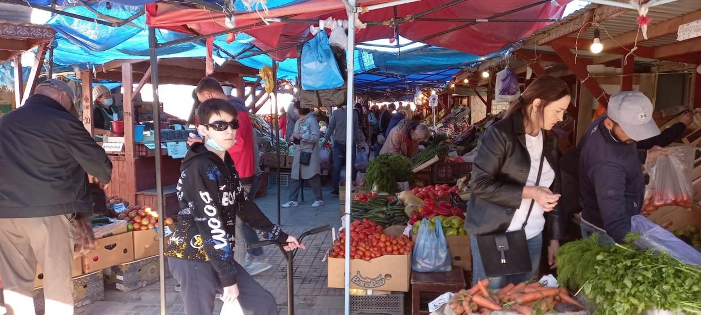 Крестьянский рынок в Якутске: обзор цен на овощи, мясо и бруснику