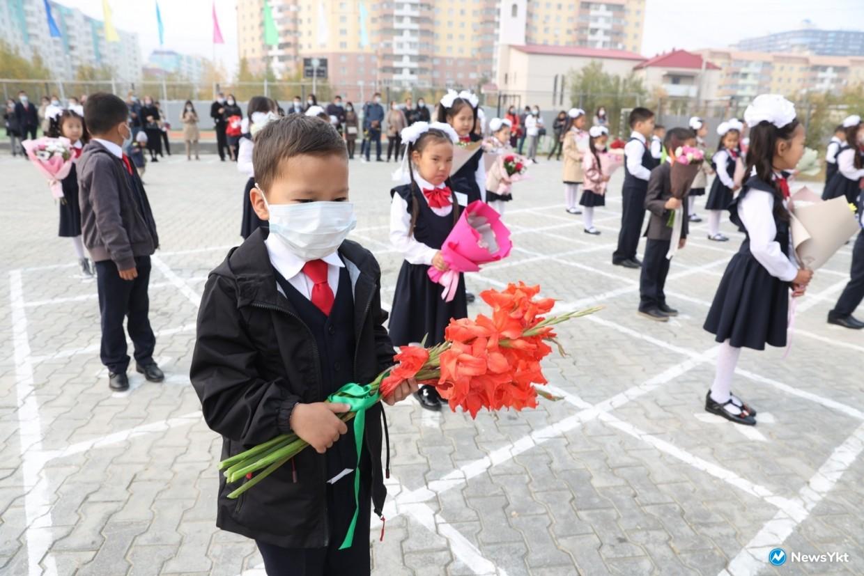 Для 50,6 тысяч школьников Якутска начался сегодня учебный год