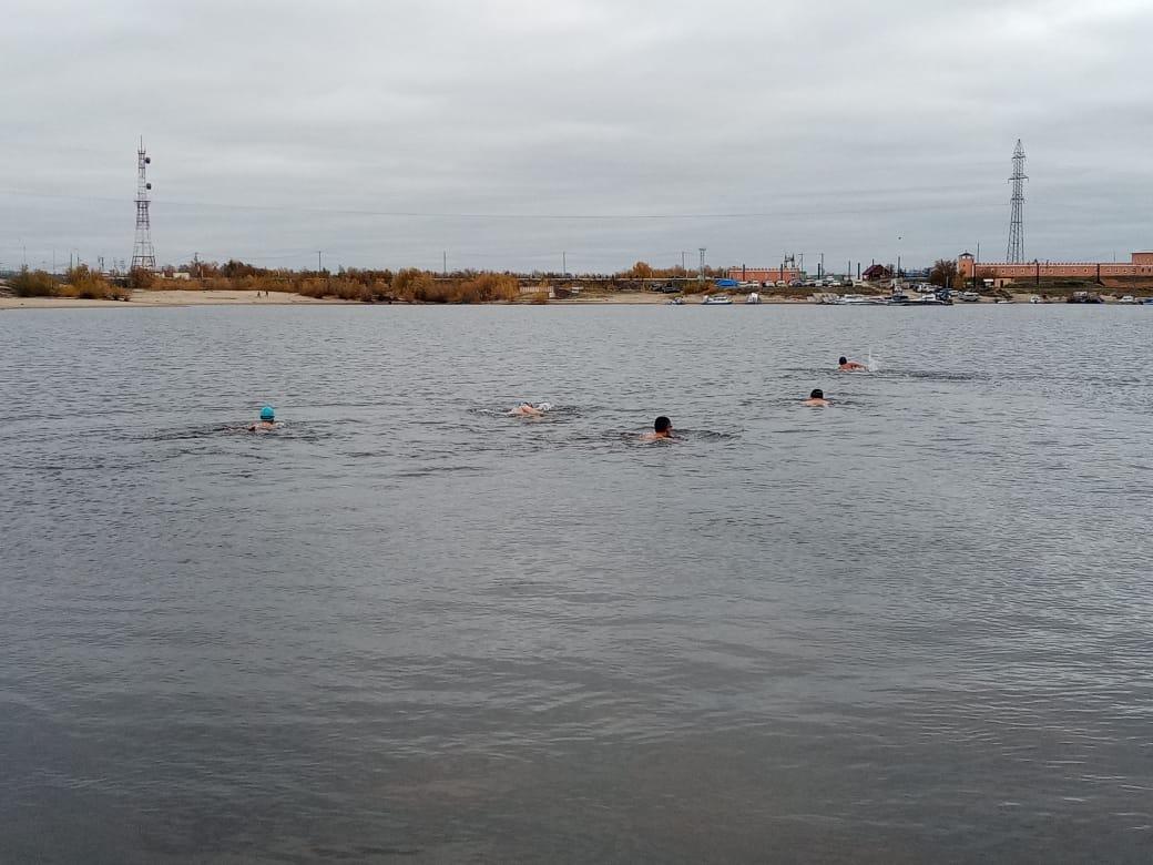 Моржи Якутска открыли купальный сезон