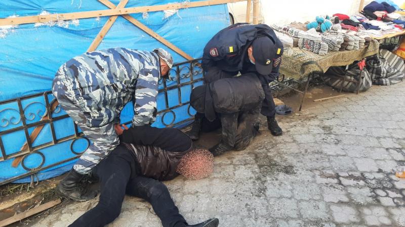Житель Якутска совершил разбойное нападение на продуктовый магазин