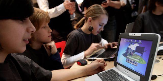 Школьники под колпаком. Кто и как следит за детьми в Якутске