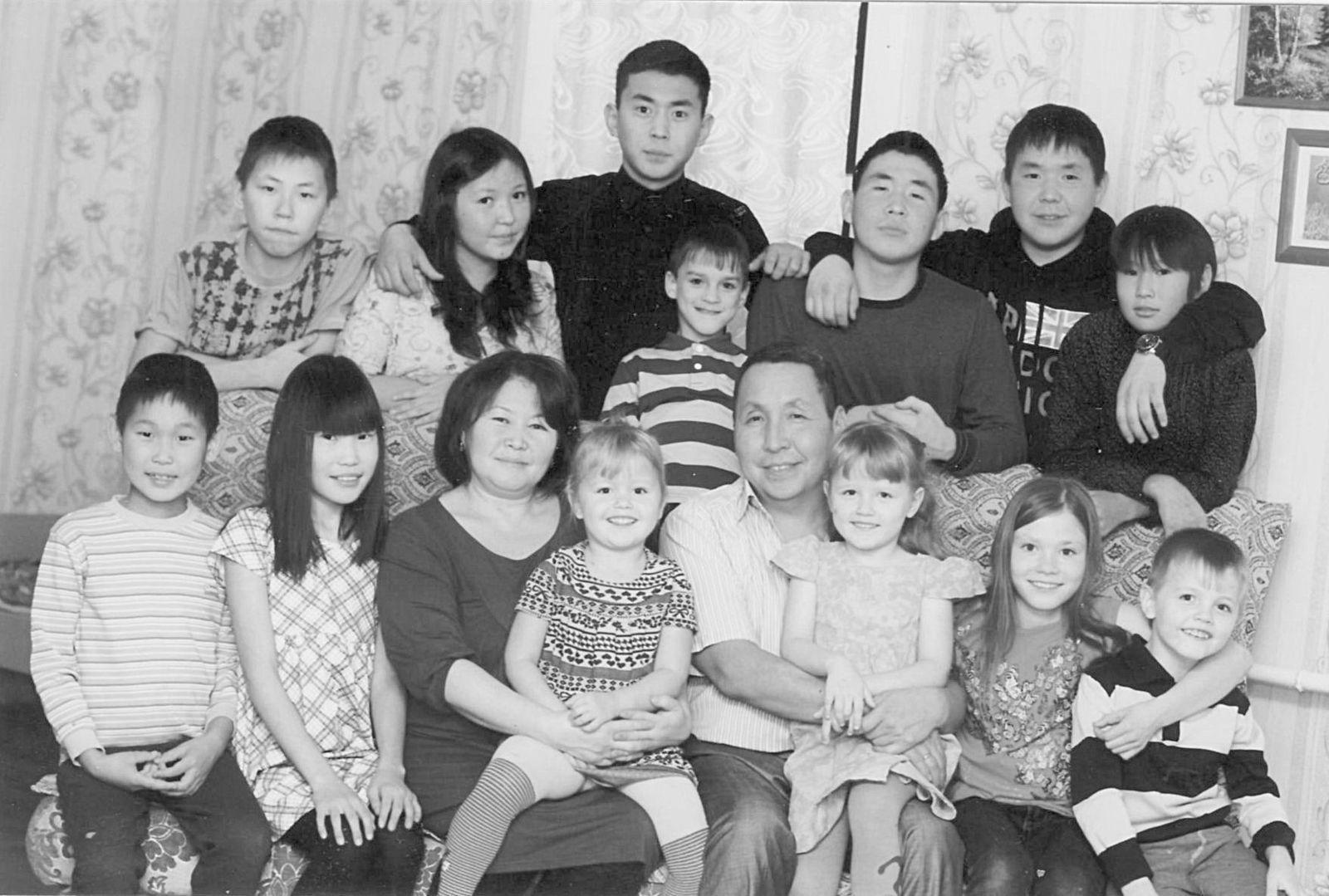 Подарить семейное счастье и подготовить к жизни — девиз семьи Павловых!