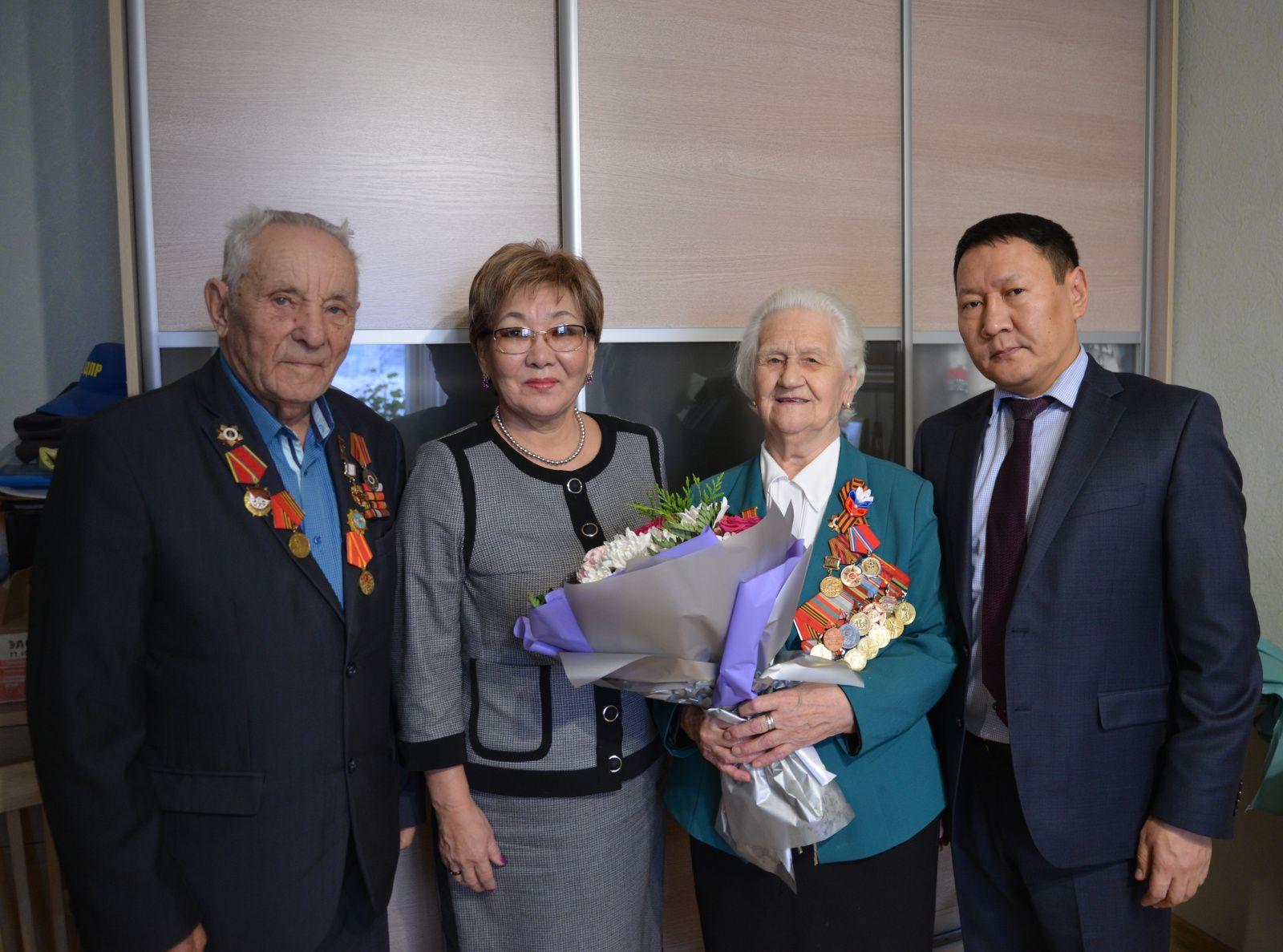 В Якутске поздравили ветерана –участницу обороны Москвы