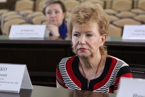Ирина КОТЕНКО: Госструктуры не хотят связываться с незаконными предпринимателями