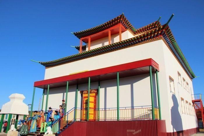 Всё о буддизме и празднике Белого месяца