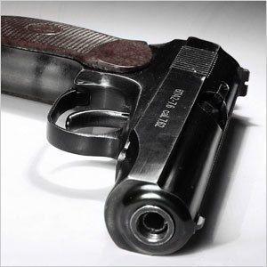 Пятилетний мальчик застрелился из пистолета отца