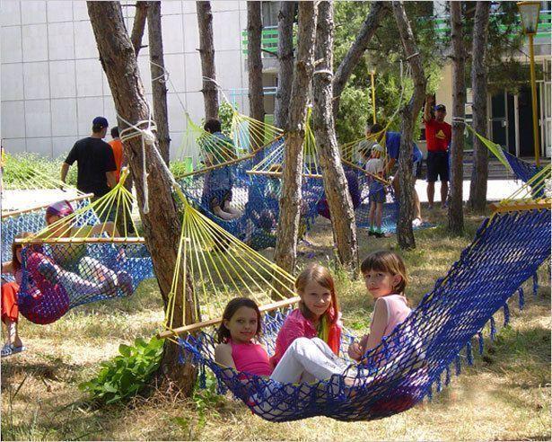 Как устроить ребенка  в летний лагерь?