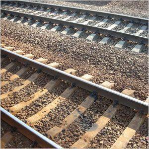 Жизнь вдоль железной дороги