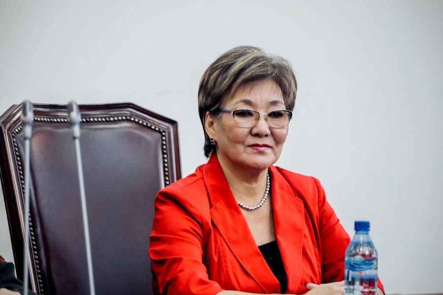 Замглавы Якутска ответит на вопросы в эфире телеканала «Россия 24»