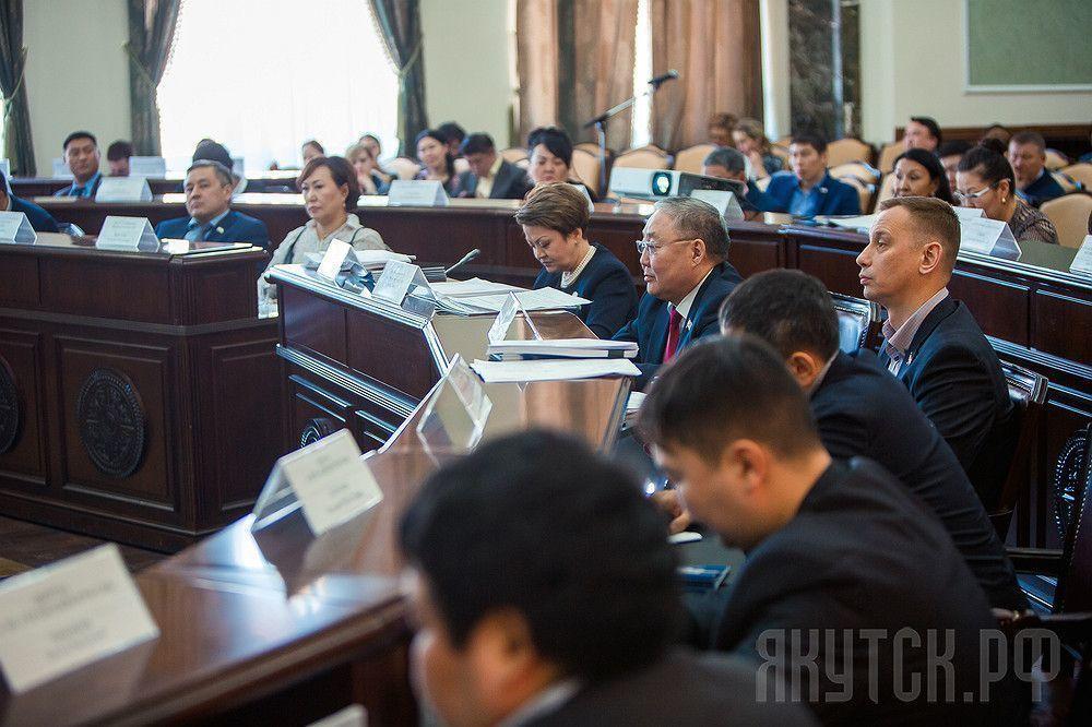 Депутаты настаивают на обещанном восстановлении средств на капремонт детсадов