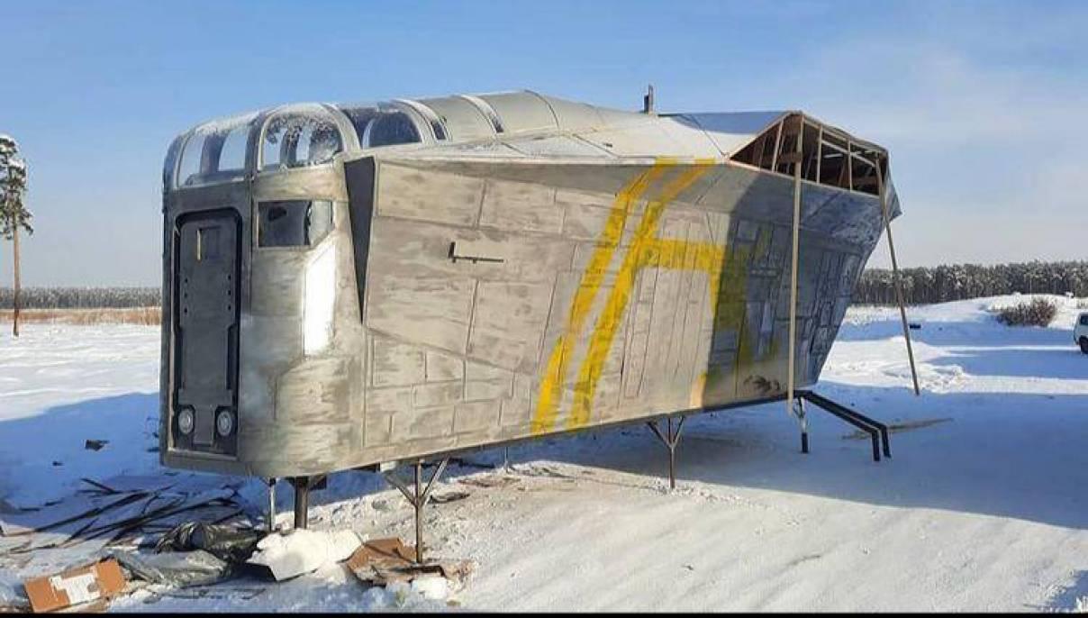 Пользователи Twitter о якутской копии звездолета: «Из говна, надеюсь, построили»