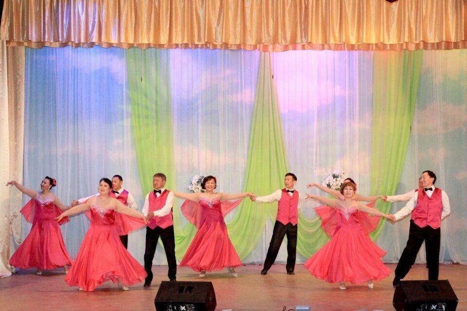 Творчество мастеров швейного дела оценили на концерте в с. Хатассы