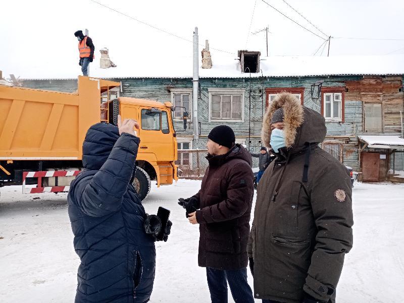 «ДАЕШЬ ТРЕХЛЕТКУ ЗА ГОД!» В Якутске сносят аварийные дома