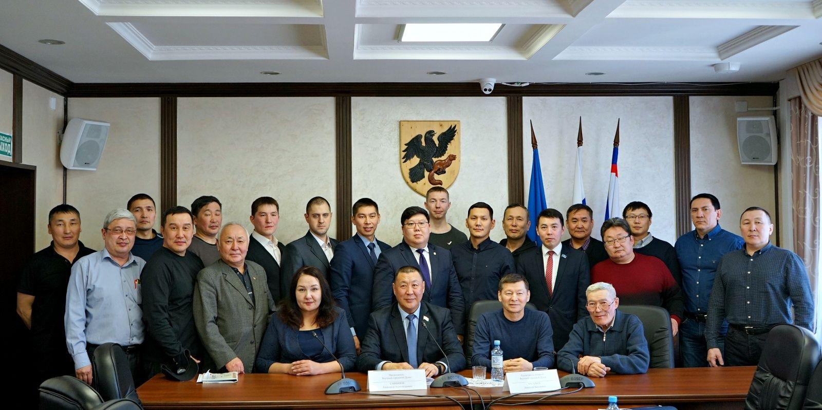 В Якутской городской Думе прошел круглый стол на тему защиты интересов охотников Якутии