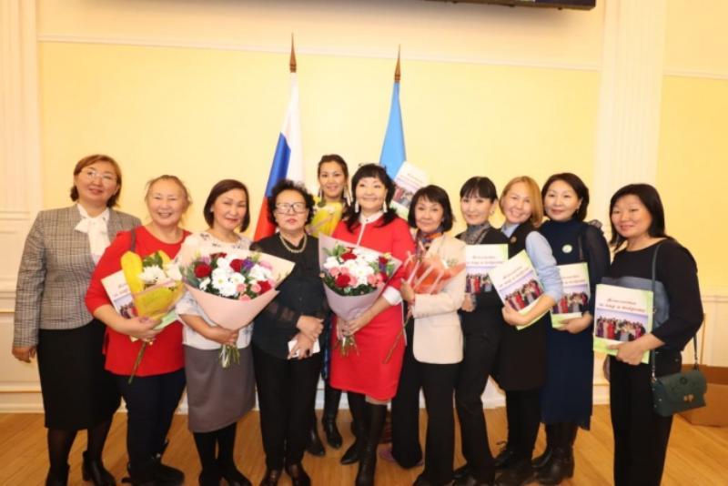 А НУ-КА, ДЕВУШКИ! «Лига женщин города Якутска» в поддержку семьи