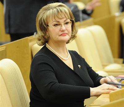 Юлия Песковская целовалась и пела