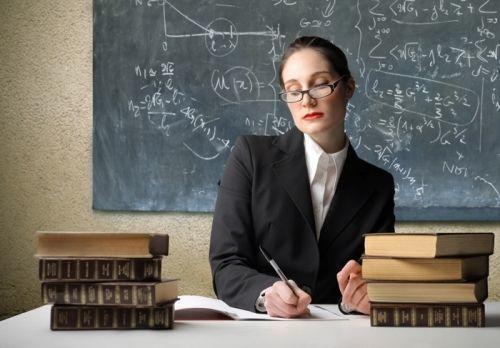 Школам - 500 учителей