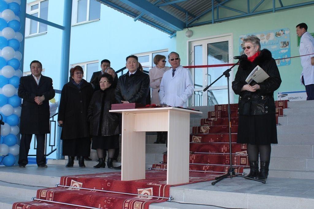 Акушерскому  отделению Якутии – 95 лет