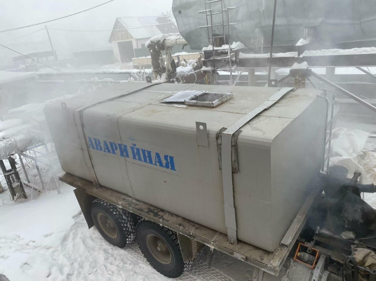 В Якутске устраняют аварию на теплосетях в мкр Птицефабрика