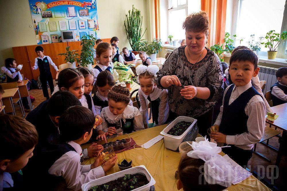 Школы и детские сады готовятся к акции «Миллион цветов»