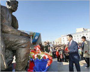 Якутяне почтили память Алексея Кулаковского